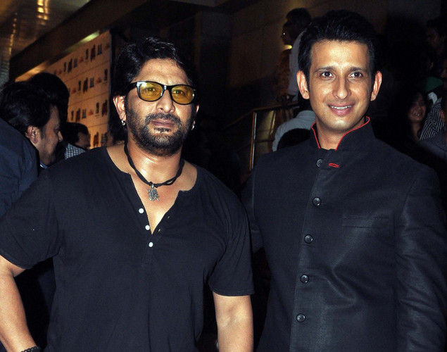 Bollywood film actors Arshad Warsi (L) and Sharman Joshi pose during the premiere of Hindi film 'Ferrari Ki Sawaari' in Mumbai.
