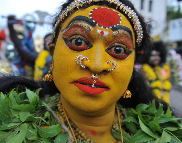 When women carry Bonalu, they are thought to be possessed by the spirit of Mother Goddess and people pour water on their feet to pacify the aggressive spirit.