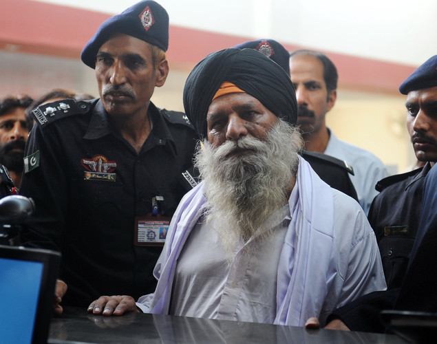 In an apparent flip, the statement was later retracted, and the government clarified that it was not Sarabjit but Surjeet who was being freed. IANS