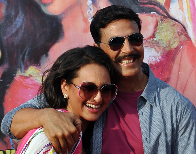 Akshay Kumar (R) and Sonakshi Sinha pose for a photo during a promotion for the  upcoming Hindi film Rowdy Rathore in Mumbai.