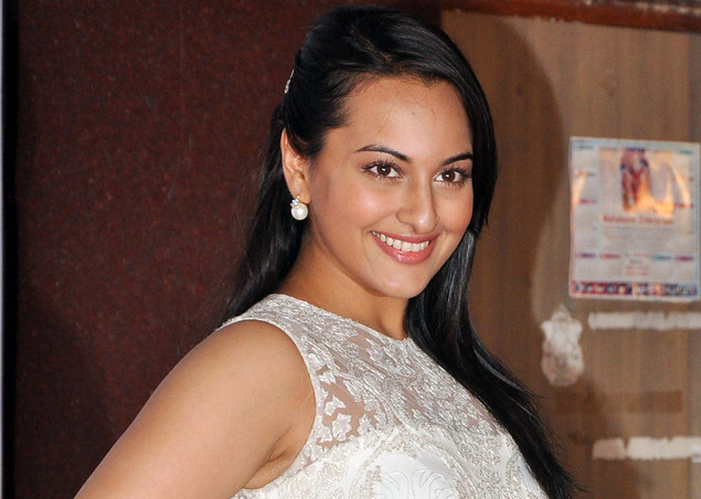 Sonakshi  Sinha attends the launch of the Kallista Spa and Salon in Mumbai on April 20, 2012.