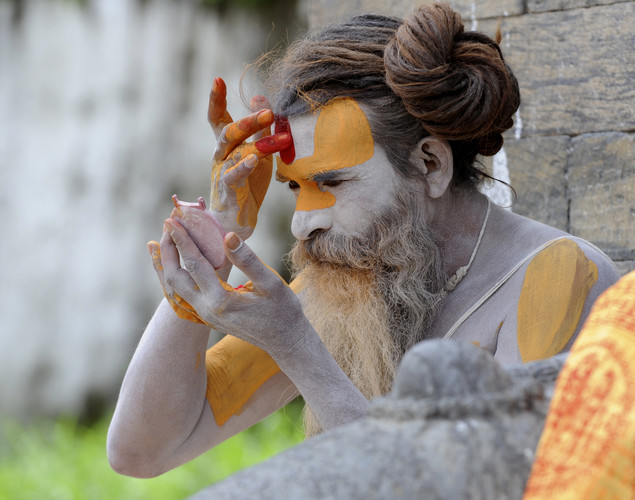 Sadhus live a life on the edges of society in order to focus on spiritual practice.