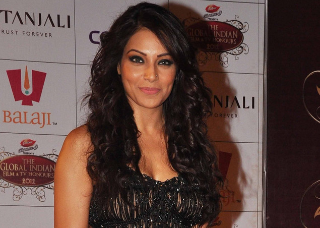 Indian Bollywood actress Bipasha Basu attends the 'Global Indian Film and TV Honours Awards 2012'