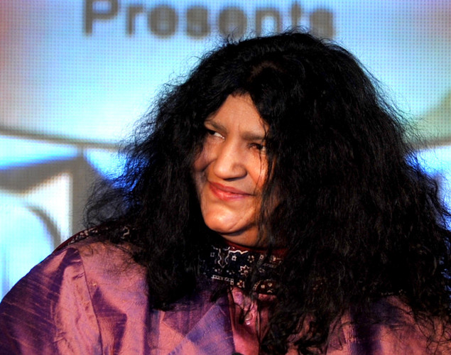 Pakistani Sufi Singer Abida Parveen poses during a media event for the television musical show 'Sur-Kshetra' In Mumbai.