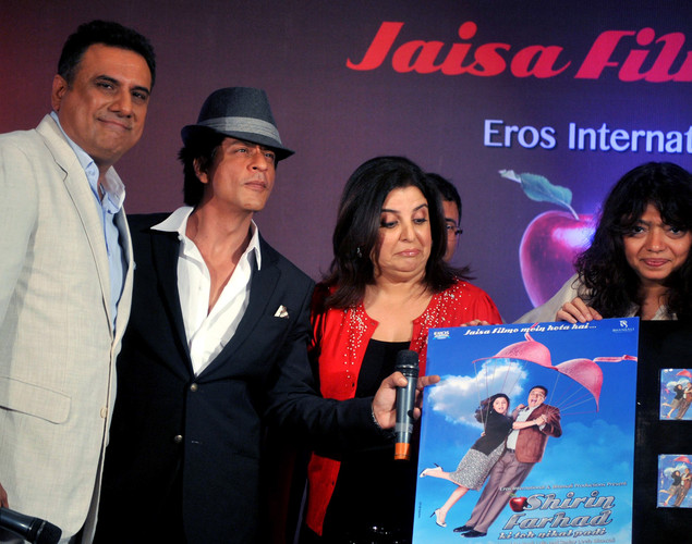 Bollywood film actors Boman Irani,(L), Shahrukh Khan (2L) and Farah Khan pose during the third teaser poster and music launch of the forthcoming Hindi film 'Shirin Farhad Ki Toh Nikal Padi' directed by Bela Bhansali Sehgal (R) in Mumbai.