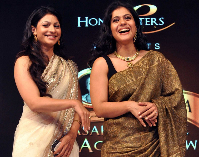 Kajol (R) with sister Tanisha (L) attend the 143rd Dadasaheb  Phalke Academy Awards 2012 ceremony, celebrating Indian Cinema  in Mumbai.