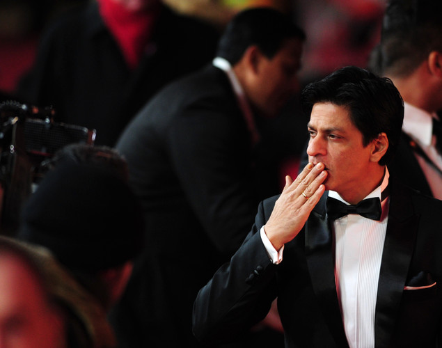 "When asked by a tabloid to comment on what Abhijeet said, SRK quipped: ""Isn't it a coincidence that whoever doesn't want to work with me becomes famous?"""