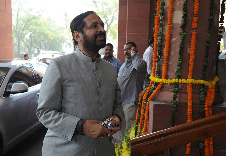 Suresh Kalmadi, India's former Olympics chief, arrives at parliament in New Delhi on March 12, 2012.