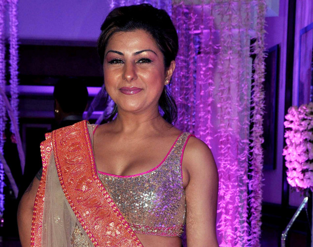 Bollywood singer Hard Kaur attends the wedding reception of playback singer Sunidhi Chauhan and musician Hitesh Sonik.