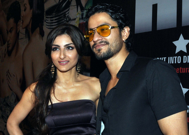 Soha Ali Khan (L) and her boyfriend Kunal  Khemu attend the success party for the cast of Hindi film 'Blood Money'