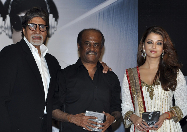 Amitabh Bachchan, Rajinikanth and Aishwarya Rai-Bachchan pose as they attend a music launch ceremony for the Hindi film 'Robot' in Mumbai late August 14, 2010.