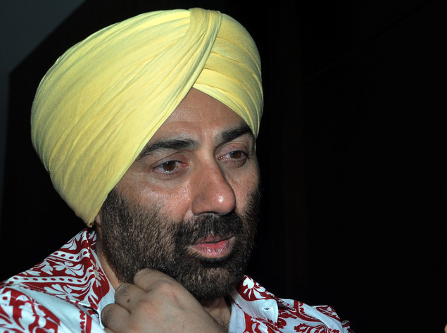 Sunny Deol attends the Indian comedy-drama film 'Yamla Pagla Deewana' music launch in Mumbai on December 9, 2010. AFP PHOTO/STR