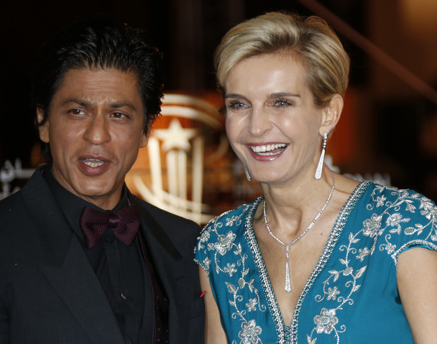 Indian actor Shahrukh Khan (L) and Director of Marrakech Film Festival Melita Toscan Du Plantier arrive at the 12th Marrakech International Film Festival.