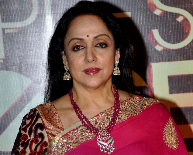 Hema Malini poses as she attends the People's Choice Awards ceremony in Mumbai late October 27, 2012.