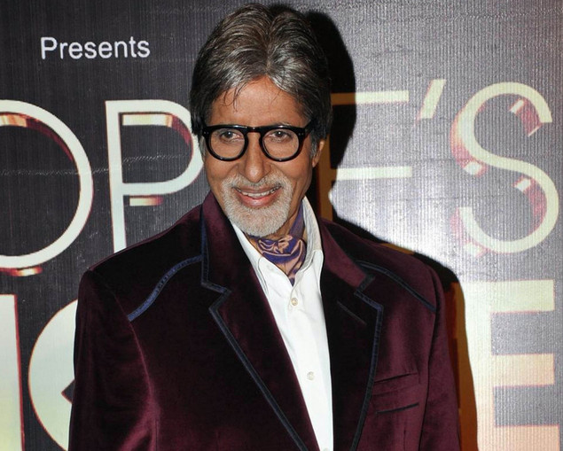 Amitabh Bachchan poses as he attends the ?People?s Choice Awards? ceremony in Mumbai late October 27, 2012.