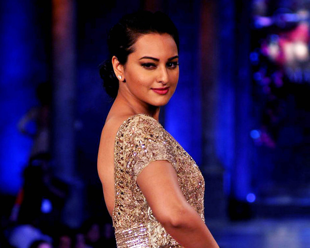 Sonakshi Sinha poses during a fashion show for The Mijwan Welfare Society in Mumbai late September 3, 2012.