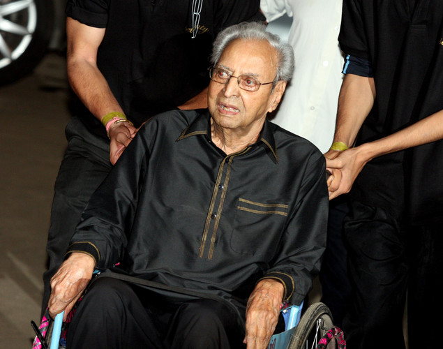 Indian Bollywood actor Pran Sikand arrives to attends the 70th Birthday celebration of Bollywood Actor Amitabh Bachchan in Mumbai.
