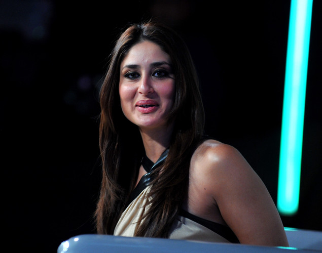"Bollywood actress Kareena Kapoor poses on the set of a television show during the promotion of the forthcoming Hindi film ""Dabbang 2"" in Lonavala."