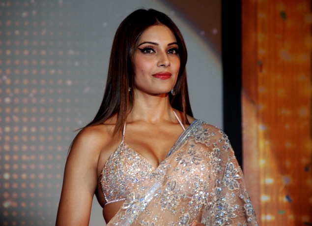 "Indian Bollywood actress Bipasha Basu poses during the promotion of the upcoming hindi film ""Jodi Breakers"""