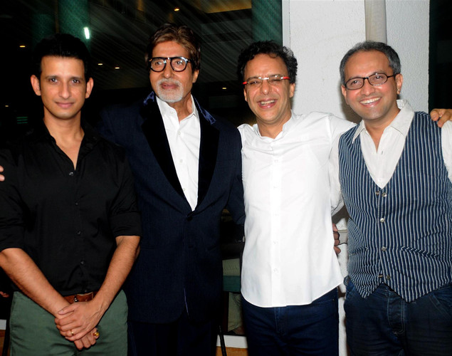 Bollywood actors (L-R) Sharman Joshi, Amitabh Bachchan, producer Vidu Vinod Chopra, and director Rajesh Mapuskar pose during a party for the Hindi film 'Ferrari Ki Sawaari' in Mumbai on June 20, 2012.
