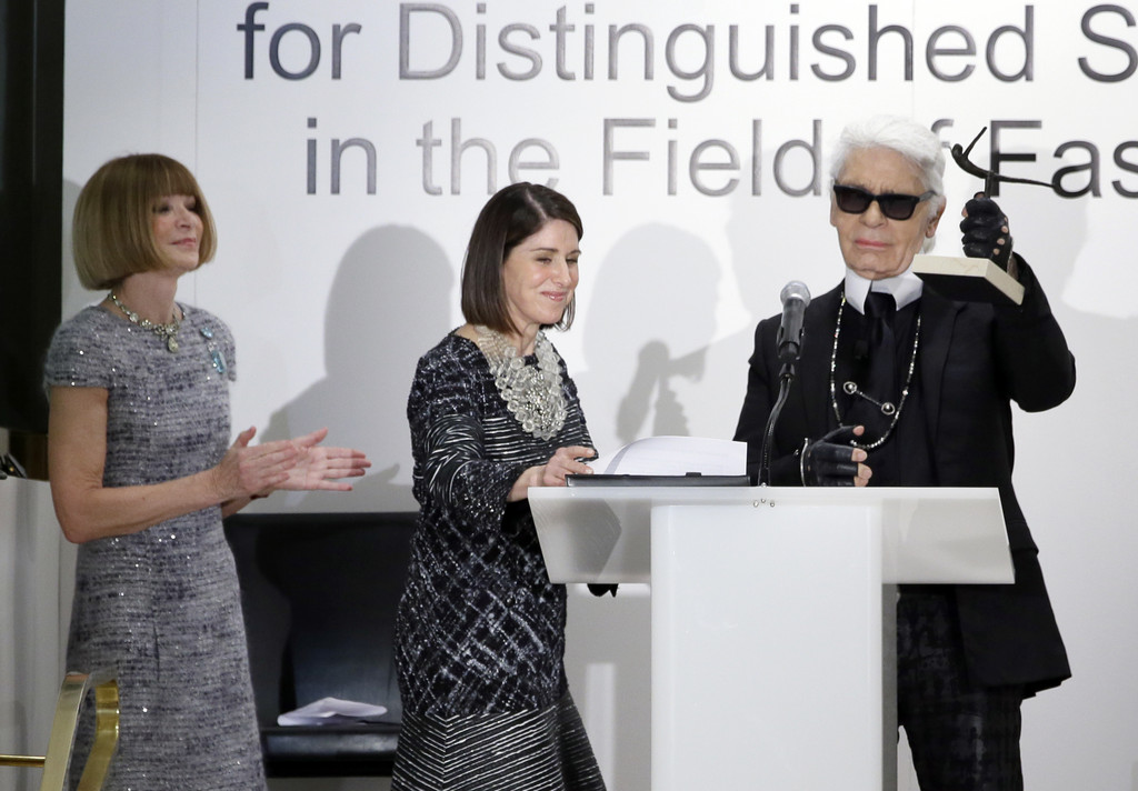 Neiman Marcus gives Lagerfeld award