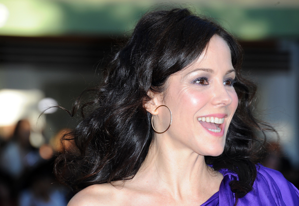 Mary-Louise Parker to return to TV in NBC comedy