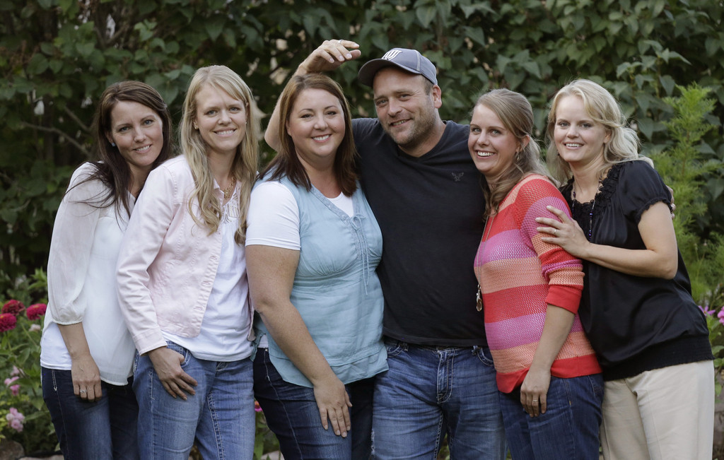 Utah polygamous family says going on TV liberating