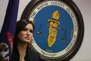 Actress Hargitay backs Detroit rape kit project