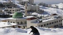 Jerusalem still partially paralyzed from snowstorm