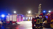 2 killed in blast at Belgian refinery