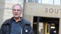 Bernie Goetz fights pot charge at bizarre hearing