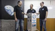 Israeli scientists shoot for the moon with dishwasher-sized spacecraft