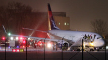 Delta flight slides off taxiway at Wis. airport