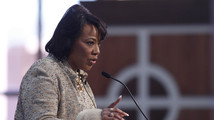 MLK's daughter agrees to turn over Bible and Nobel Peace Prize