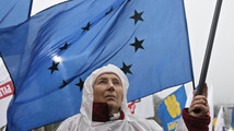 Tymoshenko on hunger strike to push for EU deal