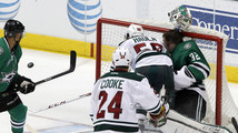 Stars' Lehtonen leaves vs. Wild with head injury