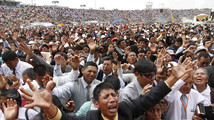 AP PHOTOS: Evangelicals mass in Peru amid boom