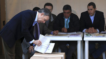 Colombia congress vote almost assures Santos lead in presidential ballot
