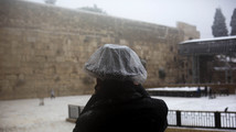 Winter storm pounds Mideast for second day