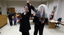 Gay weddings 17 percent of Washington marriages