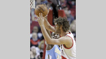 Kenneth Faried, Robin Lopez