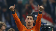 Regal Real thrash Schalke, Galatasaray hold Chelsea
