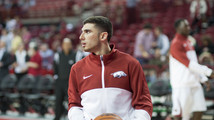 Hot-shooting Arkansas downs SE Louisiana 111-65