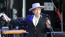 Bob Dylan charged in France over Croatia remarks