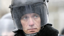 Ukraine, Russia presidents meet; protests persist