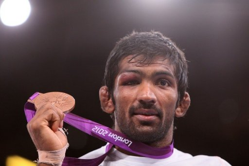 "Actor Amitabh Bachchan described Yogeshwar Dutt's bronze medal on Twitter as ""SUUUUPPEEERRRRBBB!!"""