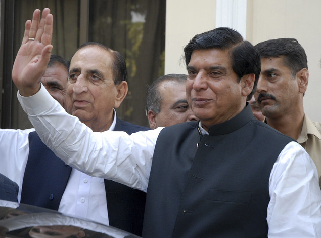 Official refuses court order to arrest Pakistan PM