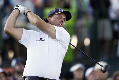 Mickelson misses chance for tour 36-hole record
