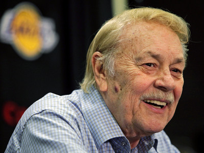 Jerry Buss, Los Angeles Lakers owner, dies at 79