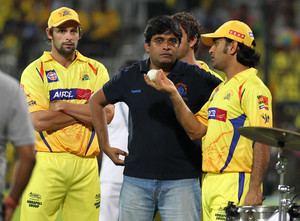 Chennai Super Kings owner Gurunath Meiyappan (centre) is pictured with captain MS Dhoni (right) in Chennai, May 12, 2012